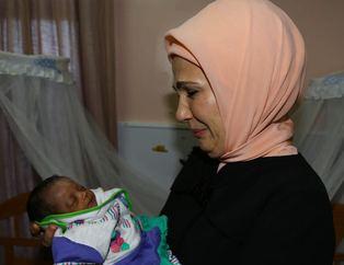 First Lady'ye Tayyip ve Emine bebek s�rprizi