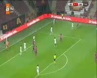 Goran Pandev penaltı kaçırdı!