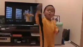 Çinli küçük Bruce Lee