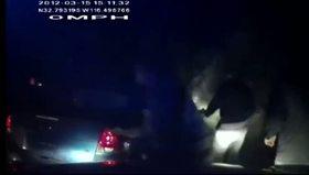 ABD polisi ateş etti, otomobil alevler içinde kaldı