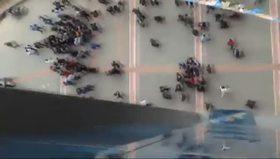 AK Parti seçim bürosuna saldırı anı