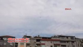 Havada alev alan yolcu uçağı acil iniş yaptı