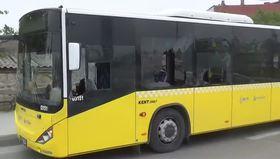 Gazi Mahallesi'nde otobüs taşlandı