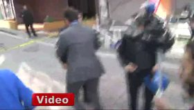 CHP'li vekil Erdoğdu gözaltı otobüsünün camını kırdı