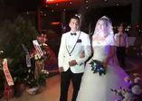 Polisi nikahı sırasında göreve çağırdılar