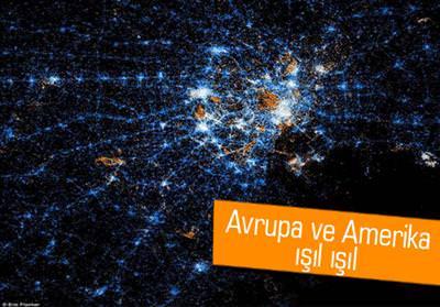 Dünya haritası üzerinde sosyal ağ aktivitesini gösteriyor