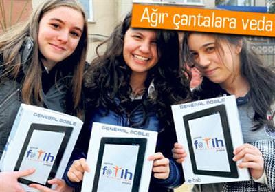 Fatih Projesi'nde ilk tabletler da��t�ld�