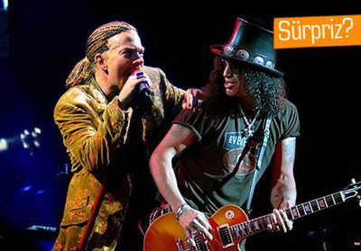 Sosyal medya konu�uyor: Orijinal Guns N' Roses ekibi bir araya gelebilir