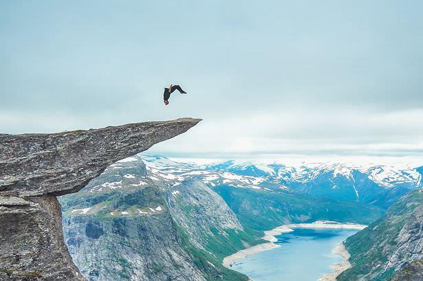 700 metre y�kseklikte takla atmak