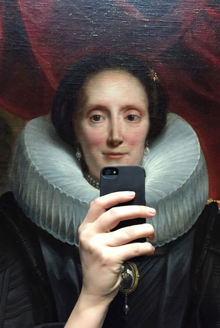 Eski tablolarda selfie �ekilirse