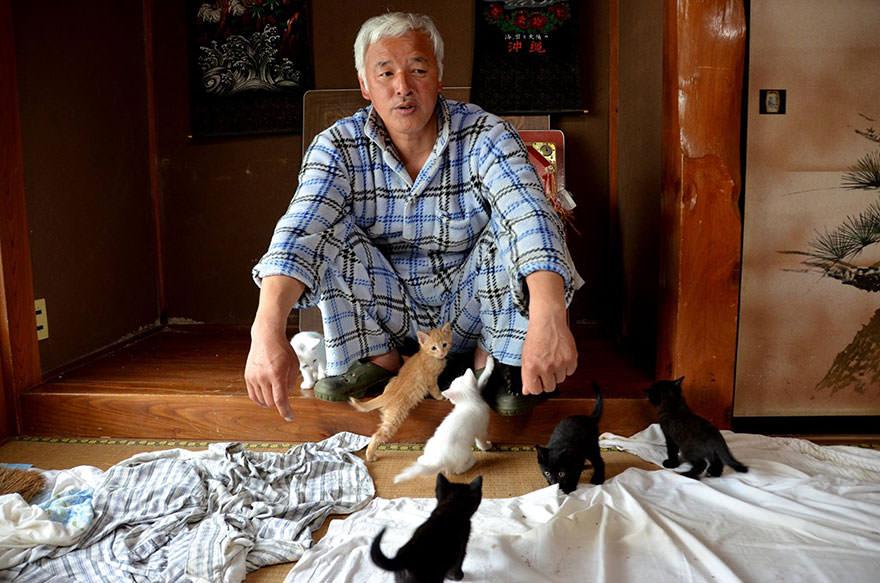 Hayvanlar i�in 'hayalet �ehir'de ya�ayan adam: Naoto Matsumura