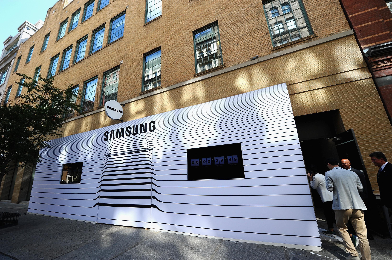 Samsung, moda d�nyas�yla i� birli�i yapt�