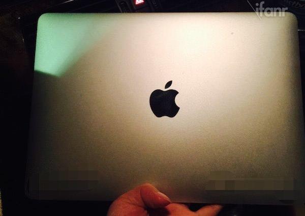 12 in�'lik MacBook Air'�n foto�raflar� s�zd�