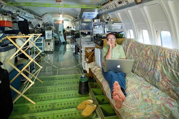 Boeing 727'de ya�ayan adam
