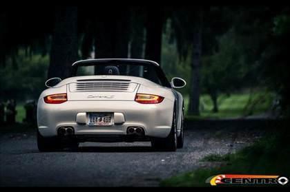 Bu Porsche, g�renleri �a��rt�yor