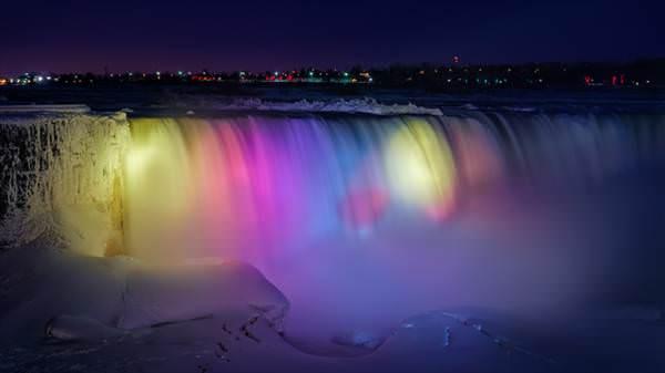 Donan Niagara �elalesi ortaya inan�lmaz g�r�nt�ler ��kard�