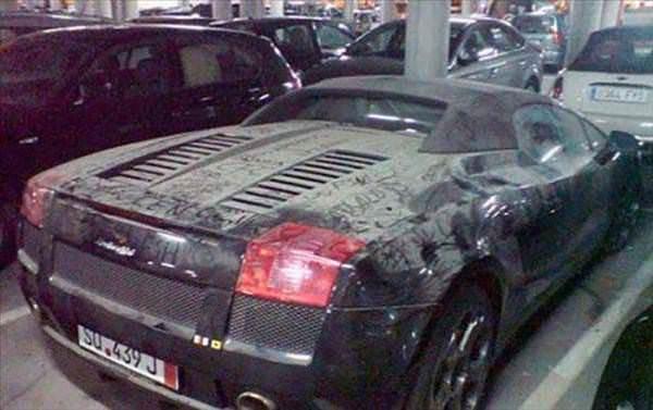 Dubai'nin ��p otomobilleri �a��rt�yor!