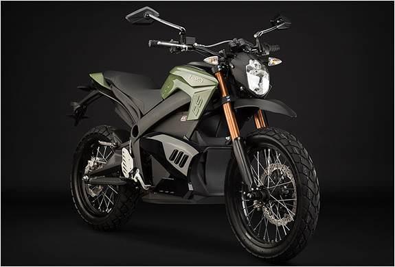 Elektrikli motosikletlerin �nc�lerinden birini tan�y�n