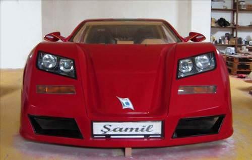 Ferrari '�amil' internette sat��a ��kar�ld�
