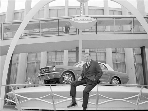 Ford Mustang'in 50 y�ldaki evrimi
