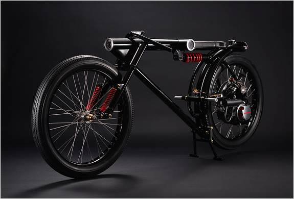 Gelecekten gelen bisiklet!