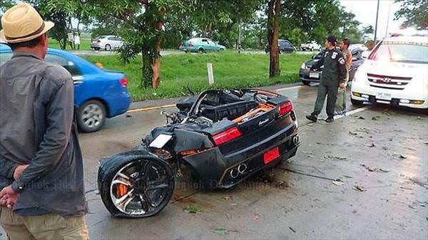 Lamborghini ikiye ayr�ld�