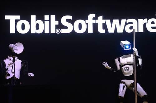Robotlar striptiz yapt�