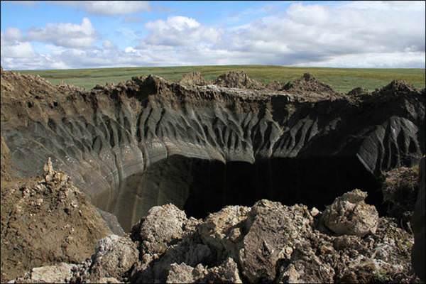 Sibirya'daki gizemli deli�in i�i g�r�nt�lendi