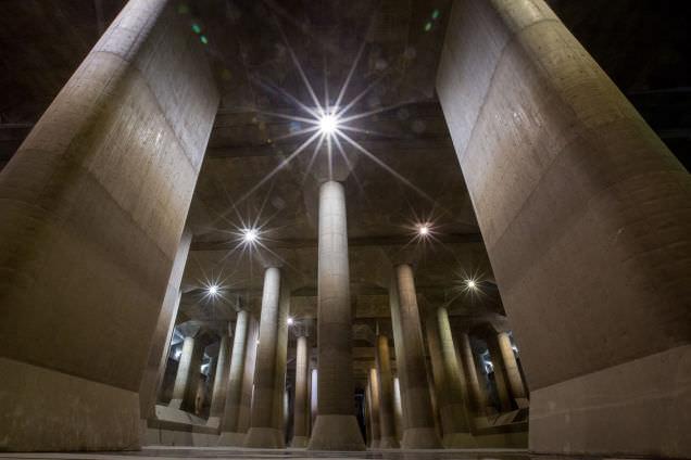 Tokyo'daki d�nyan�n en b�y�k yeralt� su deposu ile tan���n