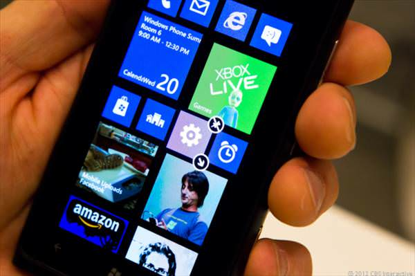 Windows Phone 8'de en s�k kar��la��lan Facebook ve Twitter sorunlar�