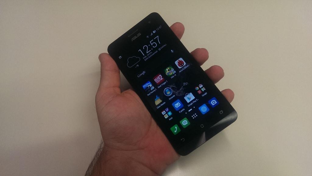 Asus Zenfone 5'in foto�raflar�