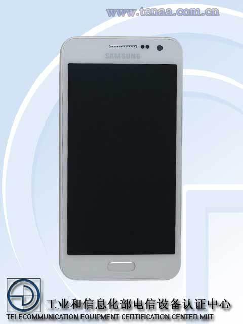 Gizemli Samsung Galaxy A3'�n foto�raflar� ortaya ��kt�!