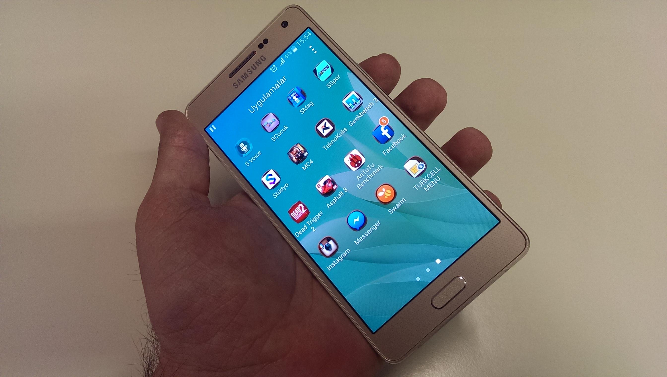 Samsung Galaxy A5 (SM-A500FQ) foto�raflar�