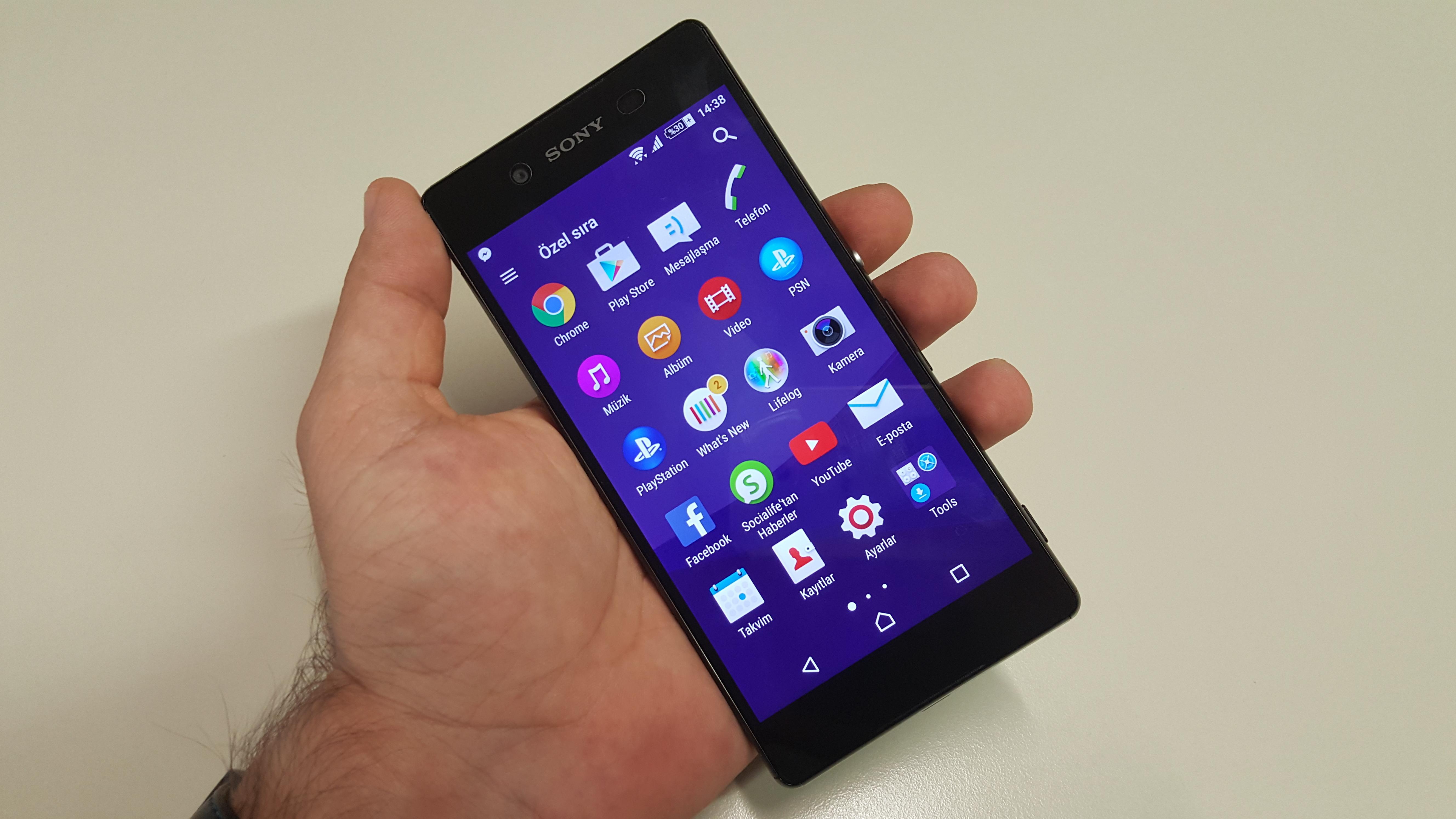 Sony Xperia Z3+'�n foto�raflar�