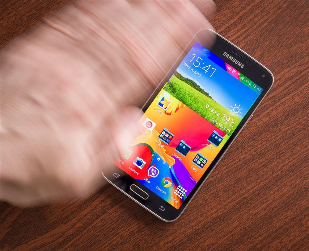 Galaxy S5'in ekran kilidini dokunmadan a�mak
