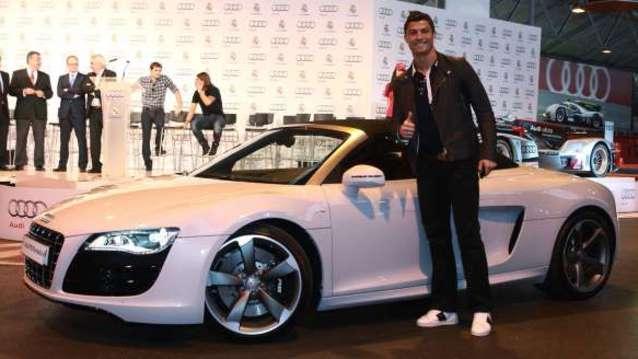 ��te Cristiano Ronaldo�nun muhte�em otomobil koleksiyonu