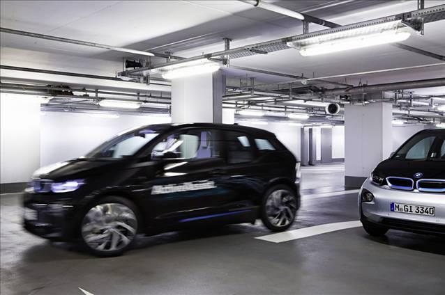 Park sorununa BMW'den ak�ll� saatli ��z�m
