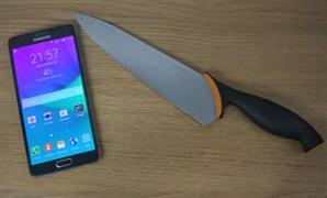 Galaxy Note 4'�n ekran�na b��akl� test