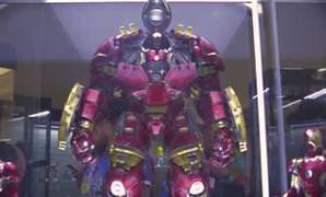 Mekanik Hulkbuster oyunca�� g�r�c�ye ��kt�