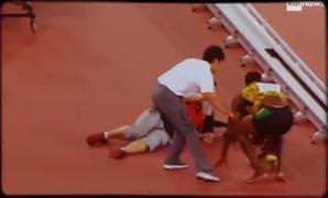 Kameraman Usain Bolt'u ezdi