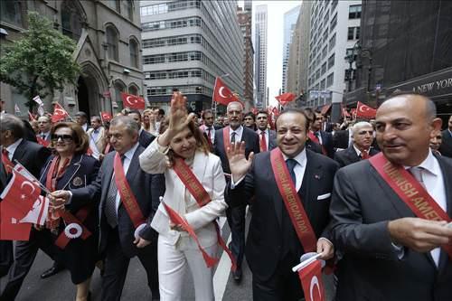 Türk Yürüyüşü yine gümbür gümbür