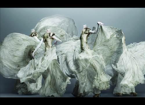 Alexander McQueen'in New York Metropolitan'da