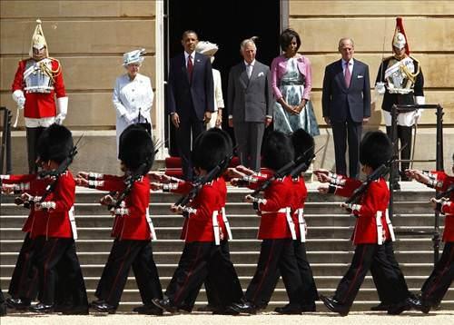 Obama nihayet Buckginham'da!