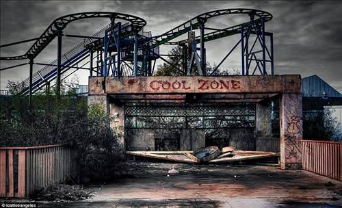 Burası da Zombilerin eğlence parkı!