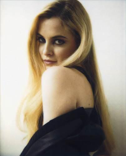 Elvis Presley'nin kızı ünlü bir manken oldu!
