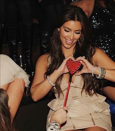 Kim Kardashian'ın bekarlığa veda partisi!