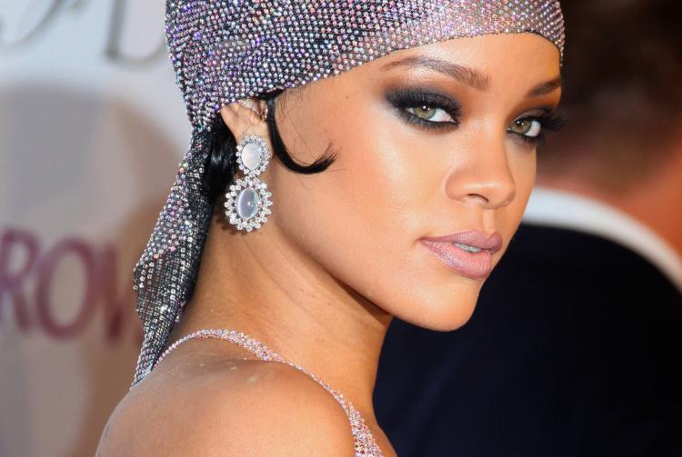 Rihanna'nın Top 5 Parti Makyajı