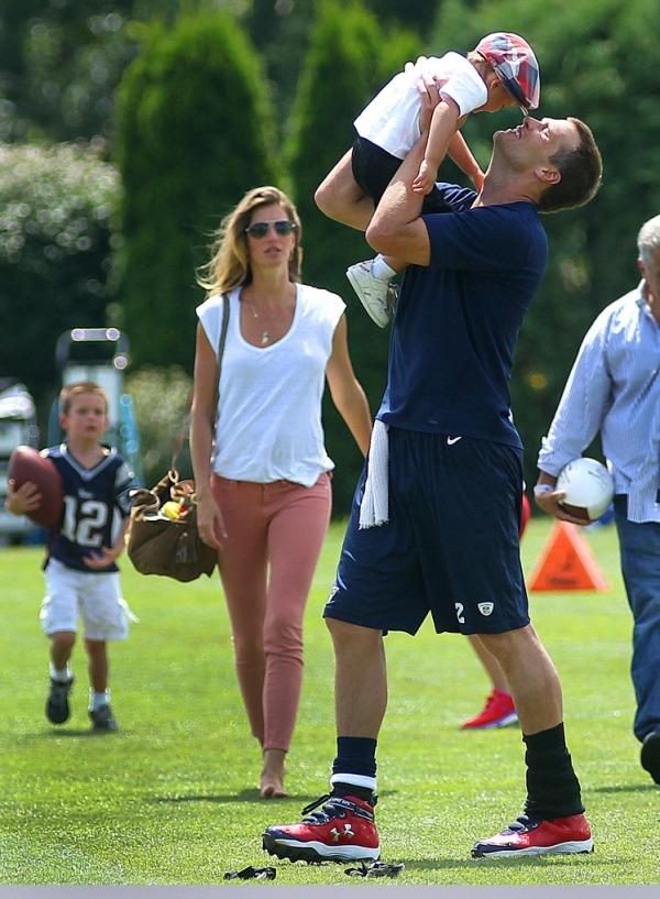 Gisele Bundchen, Tom Brady ve oğulları Benjamin Brady