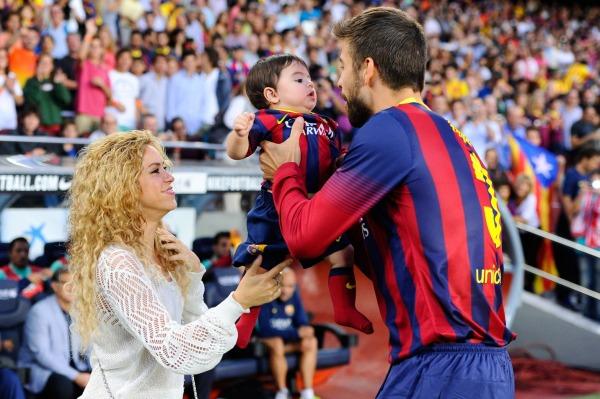 Shakira, Gerard Pique ve oğulları Mian Pique