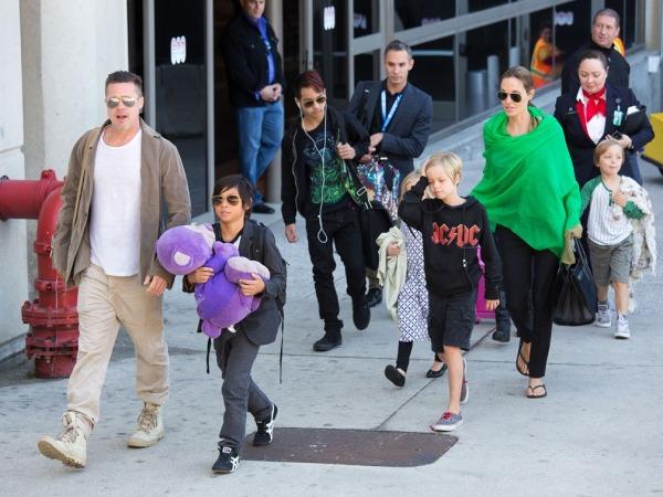 Brad Pitt, Angelina Jolie, Pax Jolie-Pitt, Maddox Jolie-Pitt, Shiloh Jolie-Pitt, Vivienne Jolie-Pitt ve Knox Jolie-Pitt